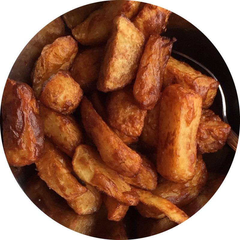Pommes de terre frites en cube